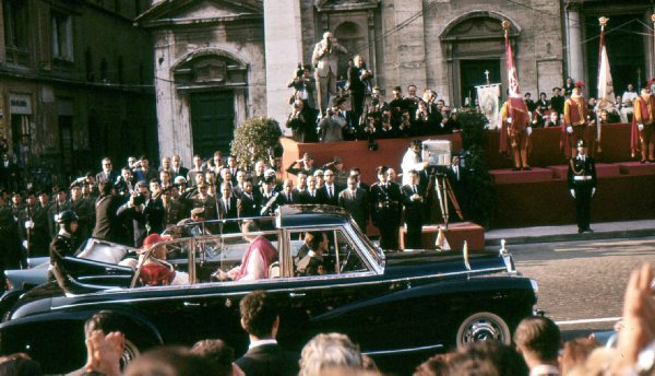 Photo of Pope John XXIII on his way to visit the President's residence