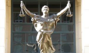 Photograph of Justitia statue